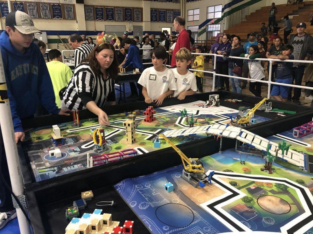 NAVWAR Volunteers Coach Robotics Regional Tournament; Inspire Future Innovators to Build a Brighter Future