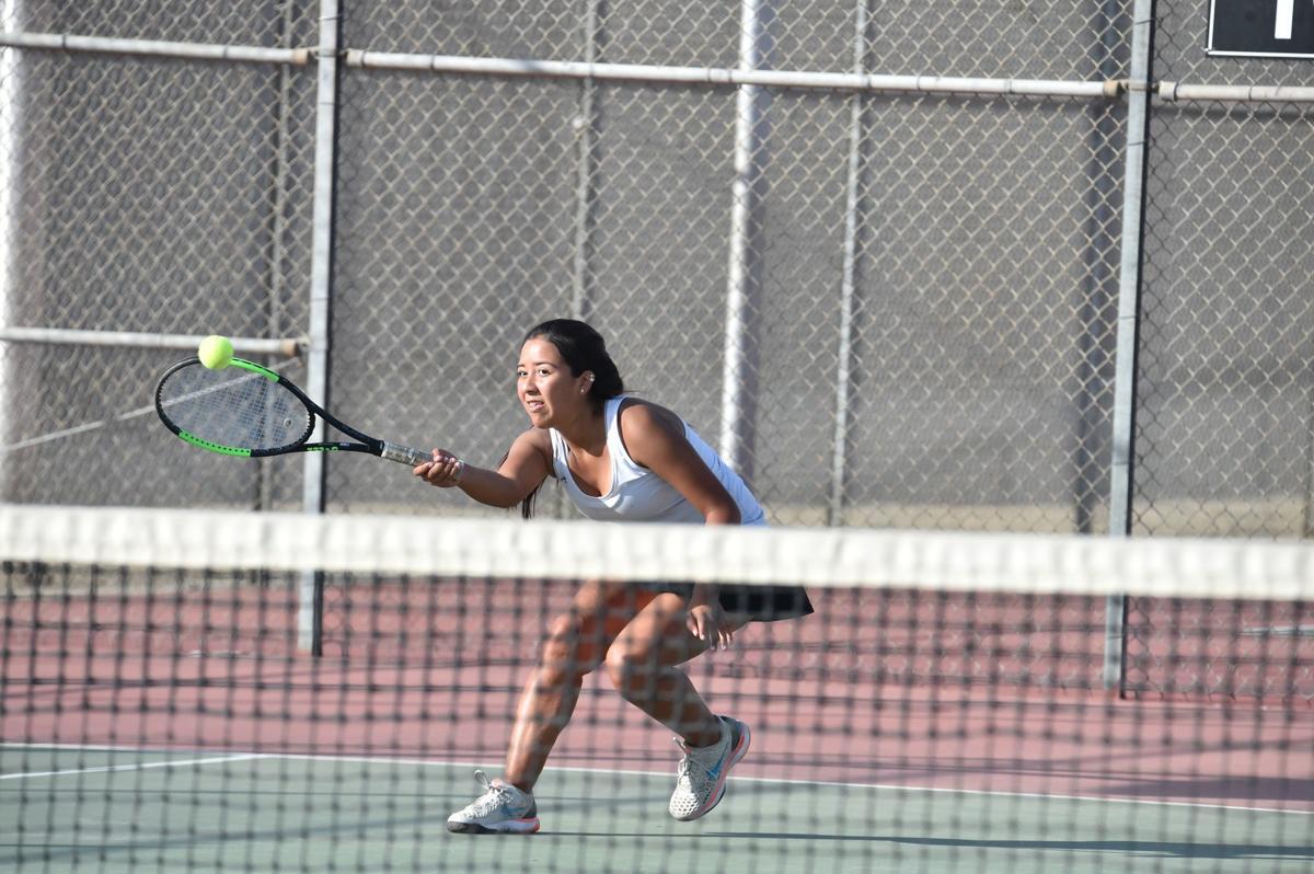 Selma girls vs Porterville tennis