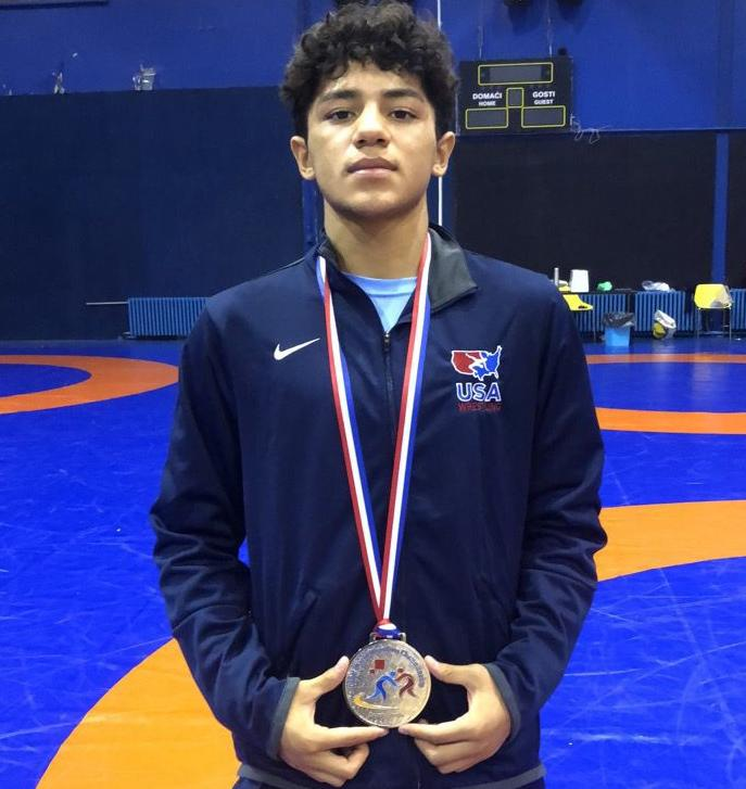 Richard Figueroa with his silver world medal