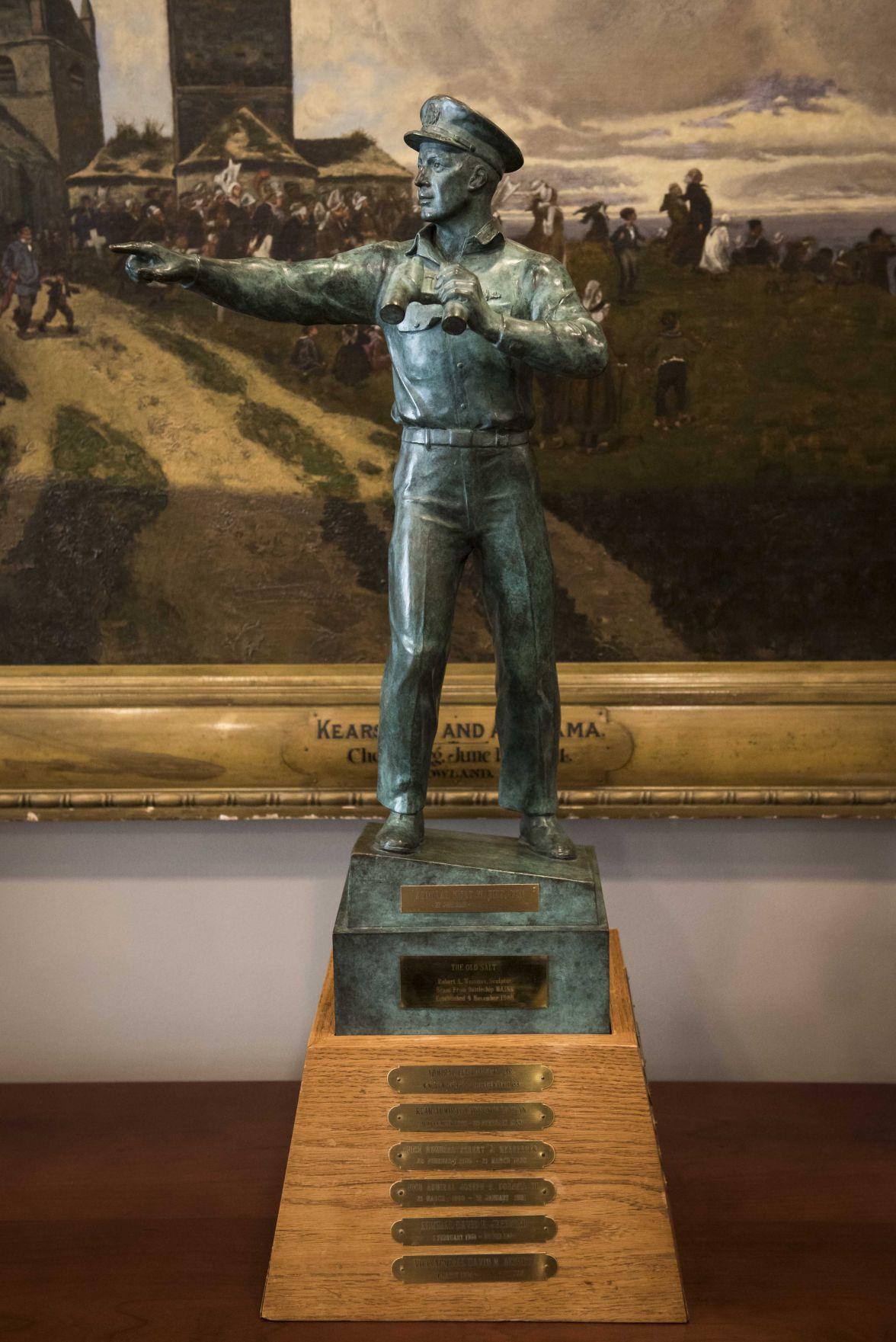 "Surface Navy Association's ""Old Salt"" Award Passed to Adm. Davidson"