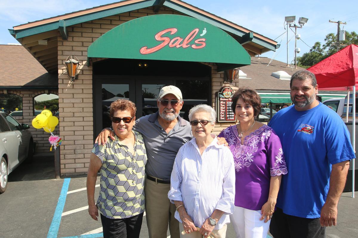 Salazar family: La familia