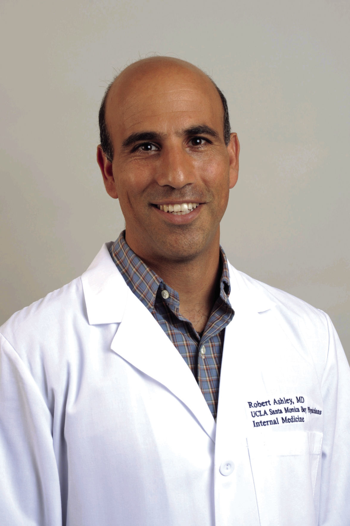 Dr. Robert Ashley M.D.