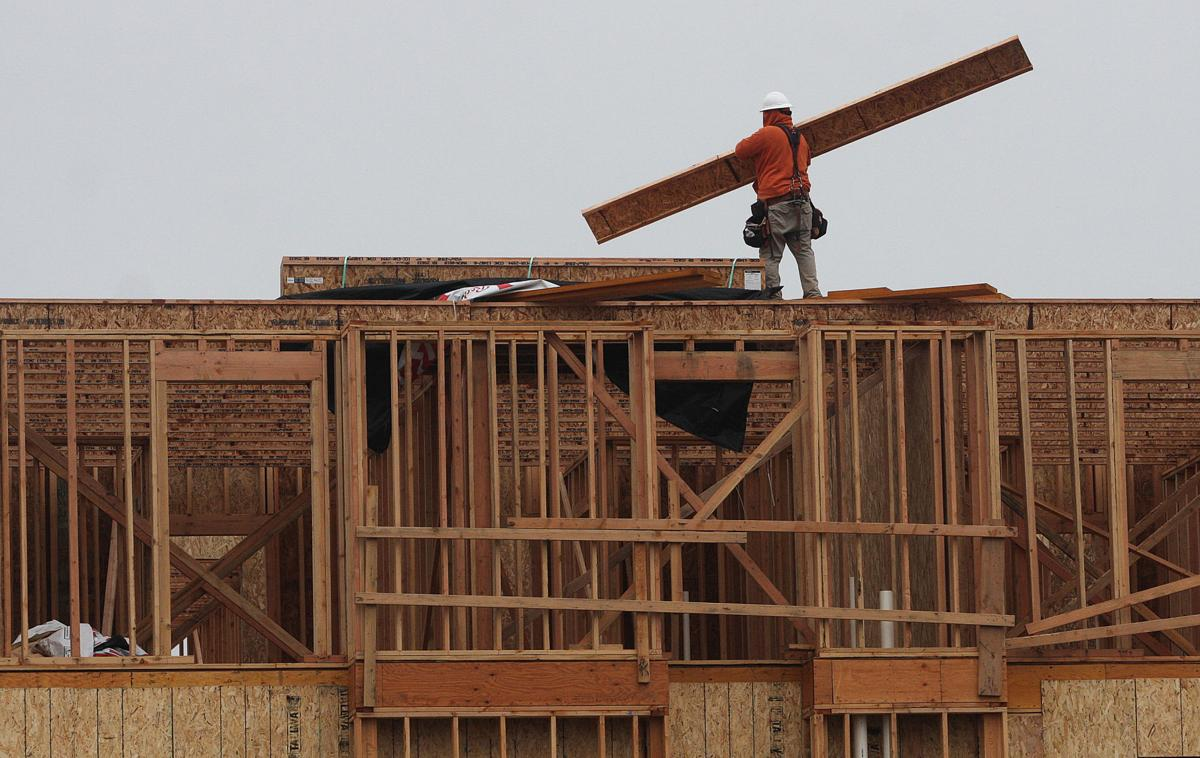 Construction on new businesses in Hanford