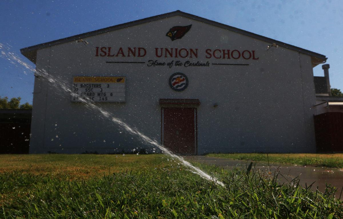 Island School Arsenic problem in water