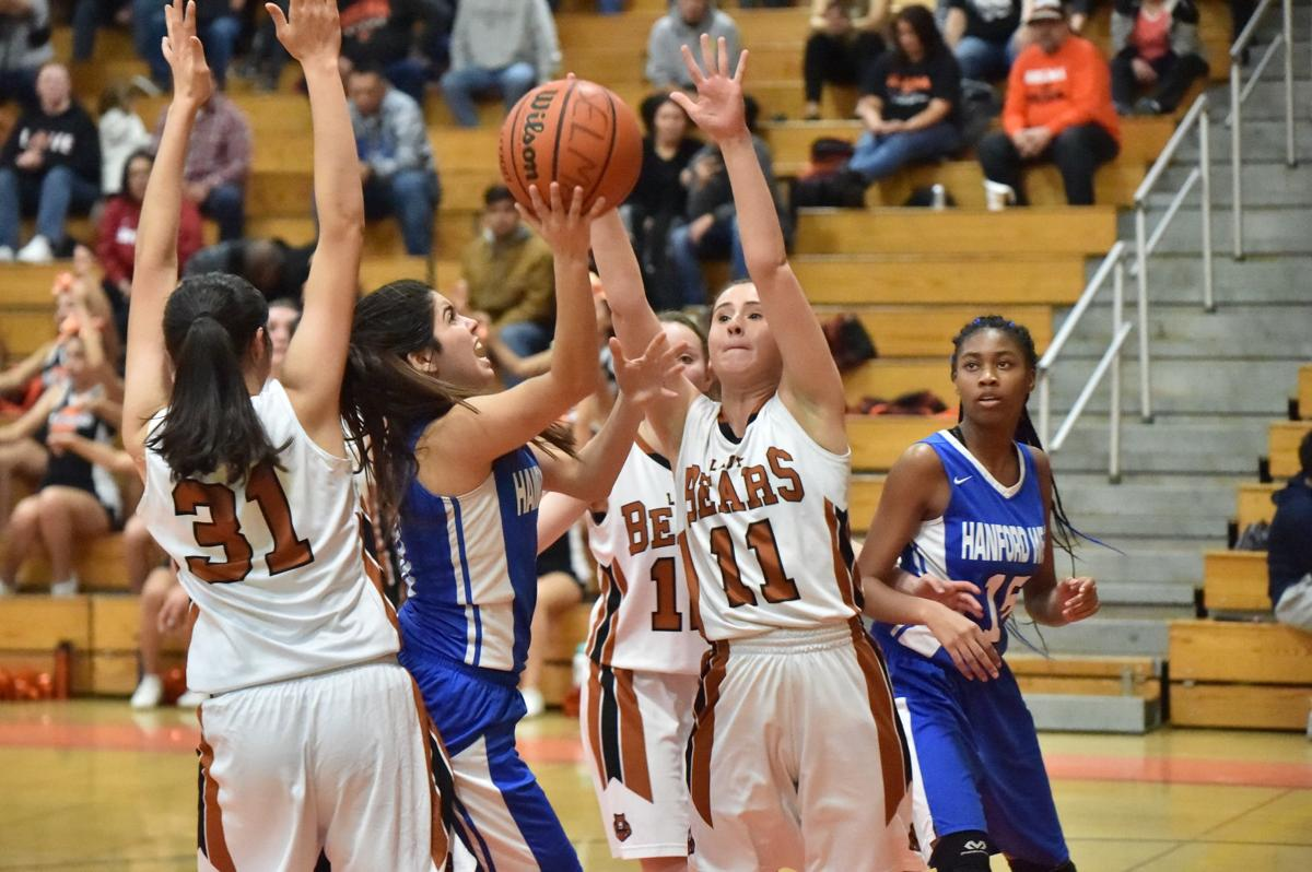 Selma girls basketball: Madi Mares
