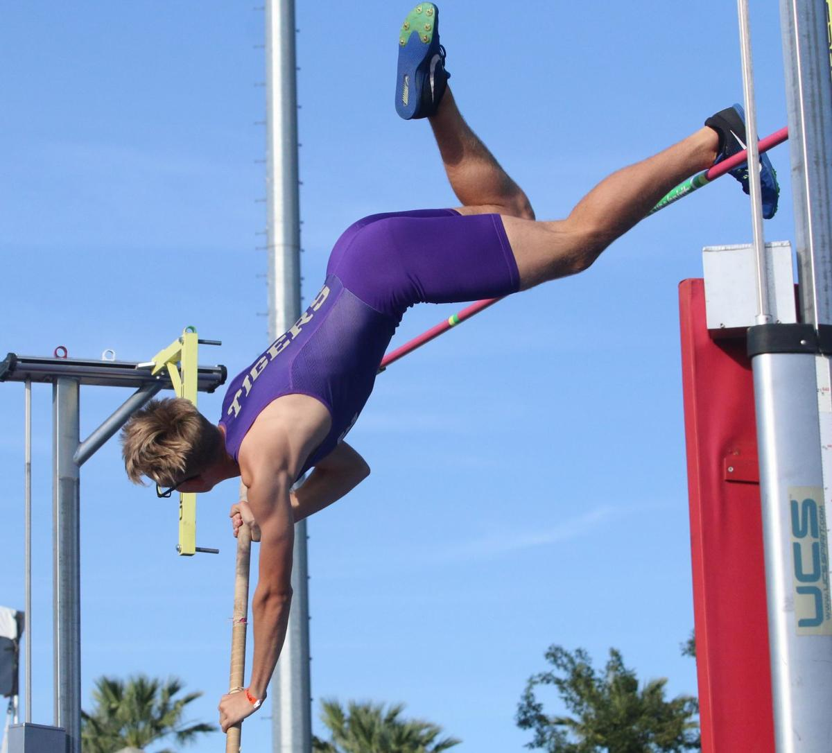 White competes at state as only Kings County athlete