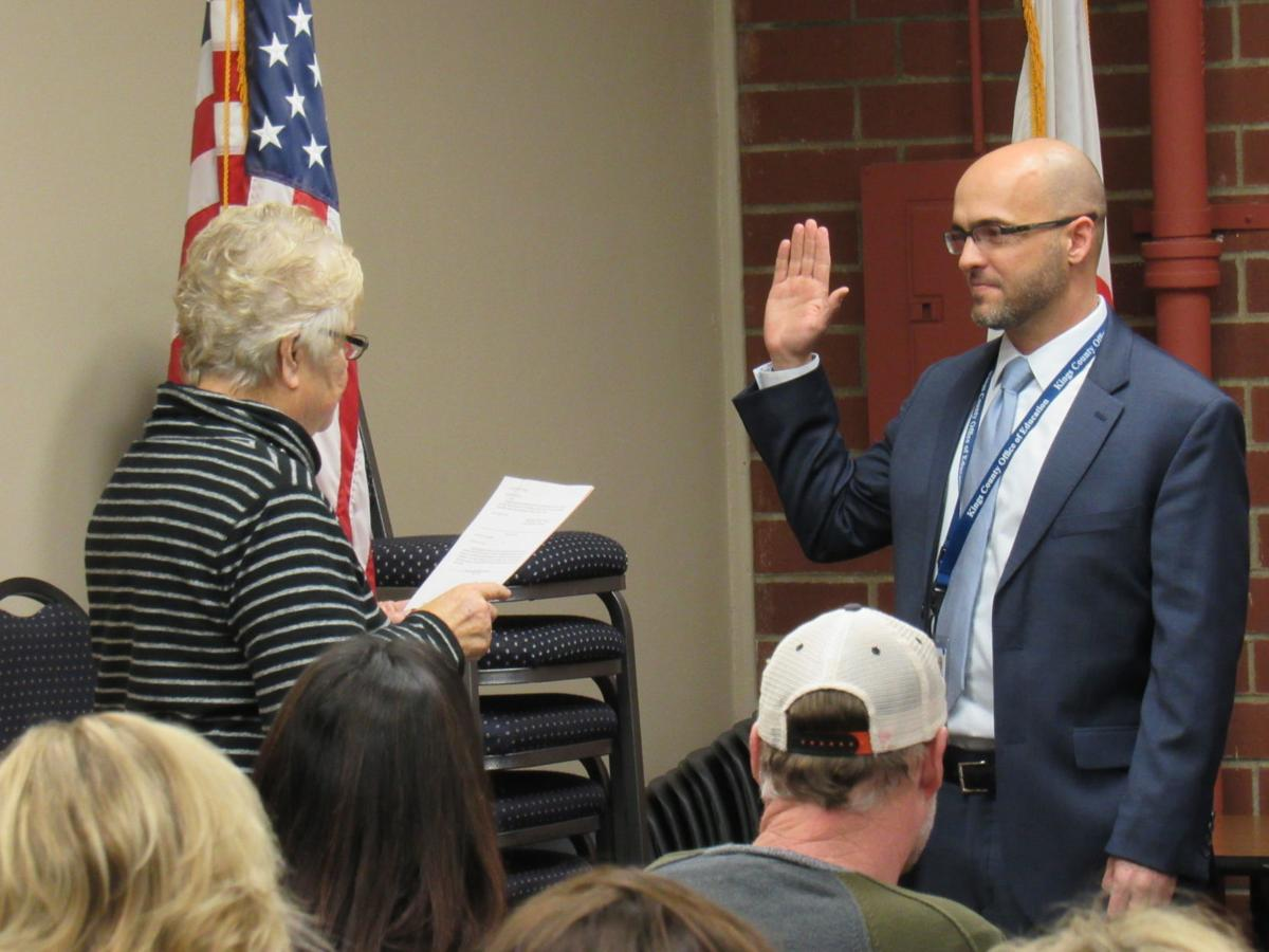 Barlow Sworn In At Office Of Education Local Hanfordsentinel Com