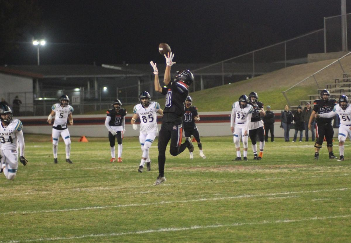 Bears top Thunderbirds, move on to Division IV championship