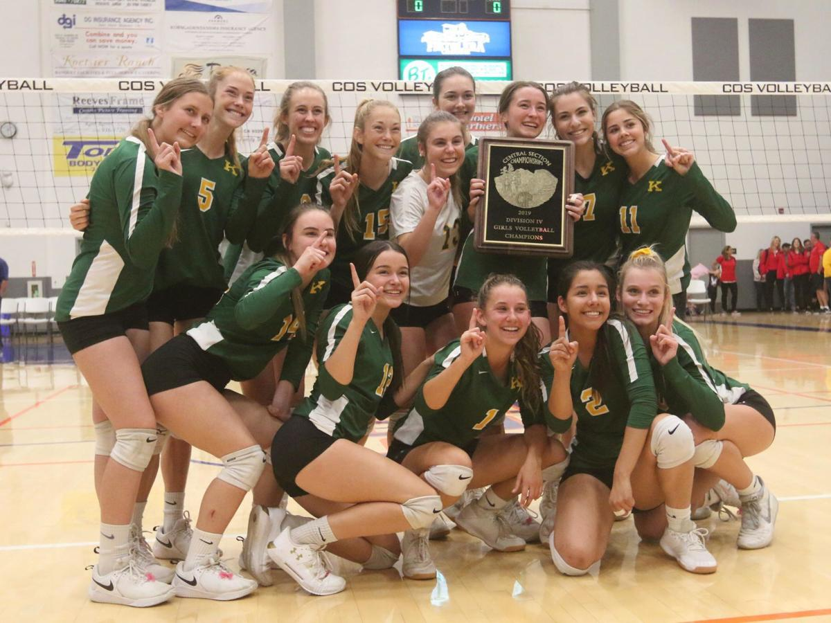 Vikings sweep Golden Bears for Division IV title