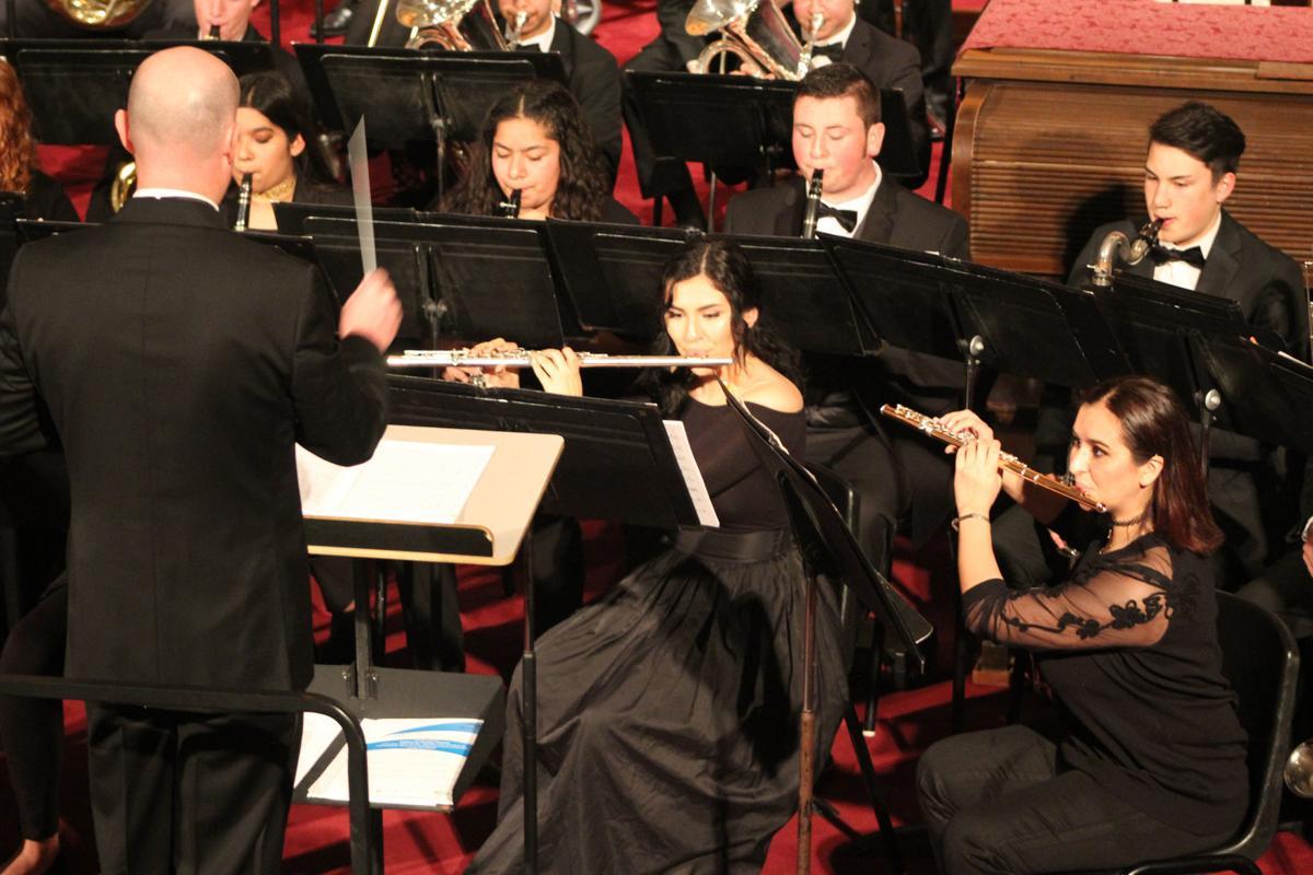 KHS Wind Ensemble: Schofield directs