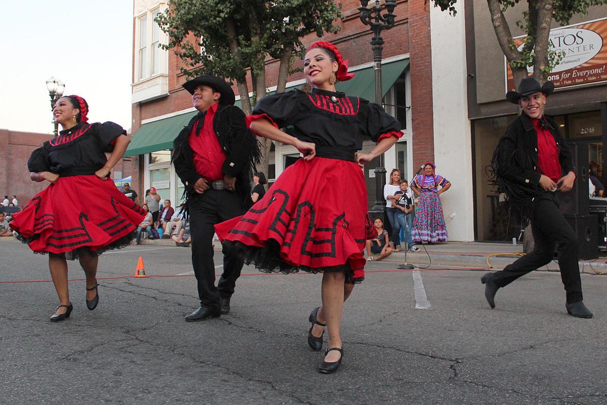 2nd Block Arty: Centro de Folklor dancers