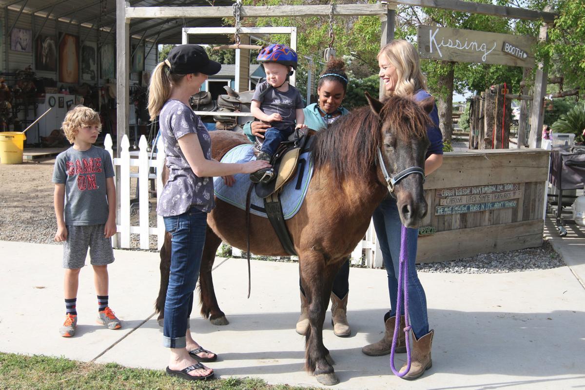 Riders: Jace rides Hannah