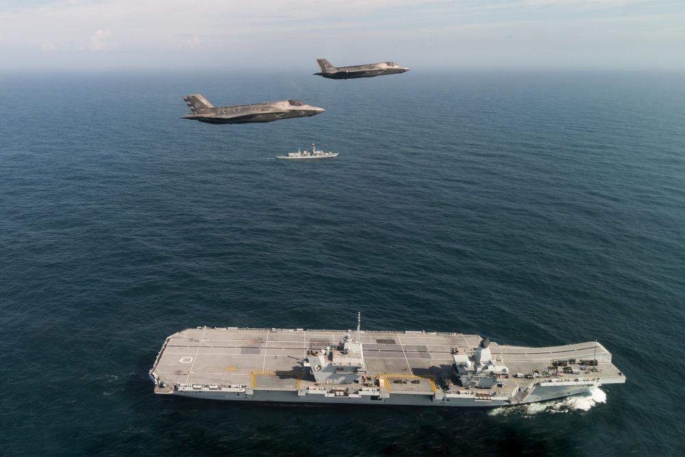 (U.S. Navy photo courtesy of the Royal navy by LPhot Kyle Heller/Released)