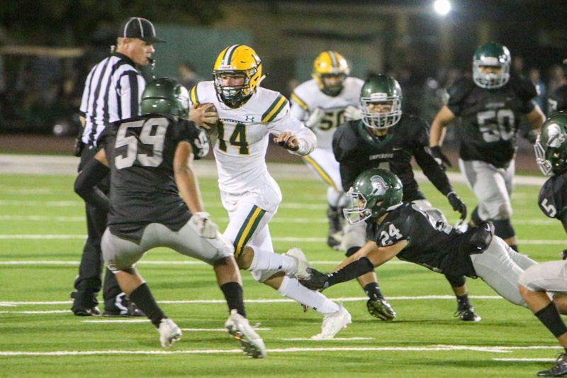 Kingsburg v.s. Dinuba football