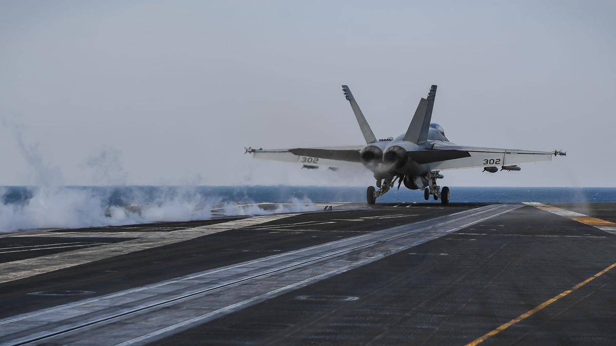TR, CVW-17 launch in support of Operation Inherent Resolve
