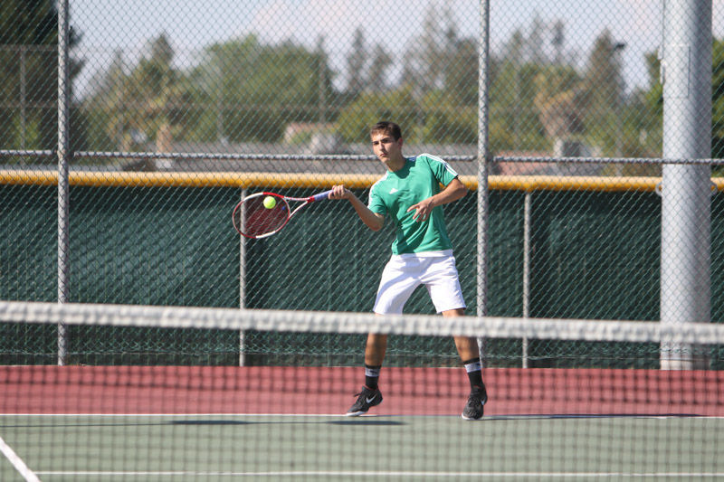 Kingsburg cruises to playoff victory