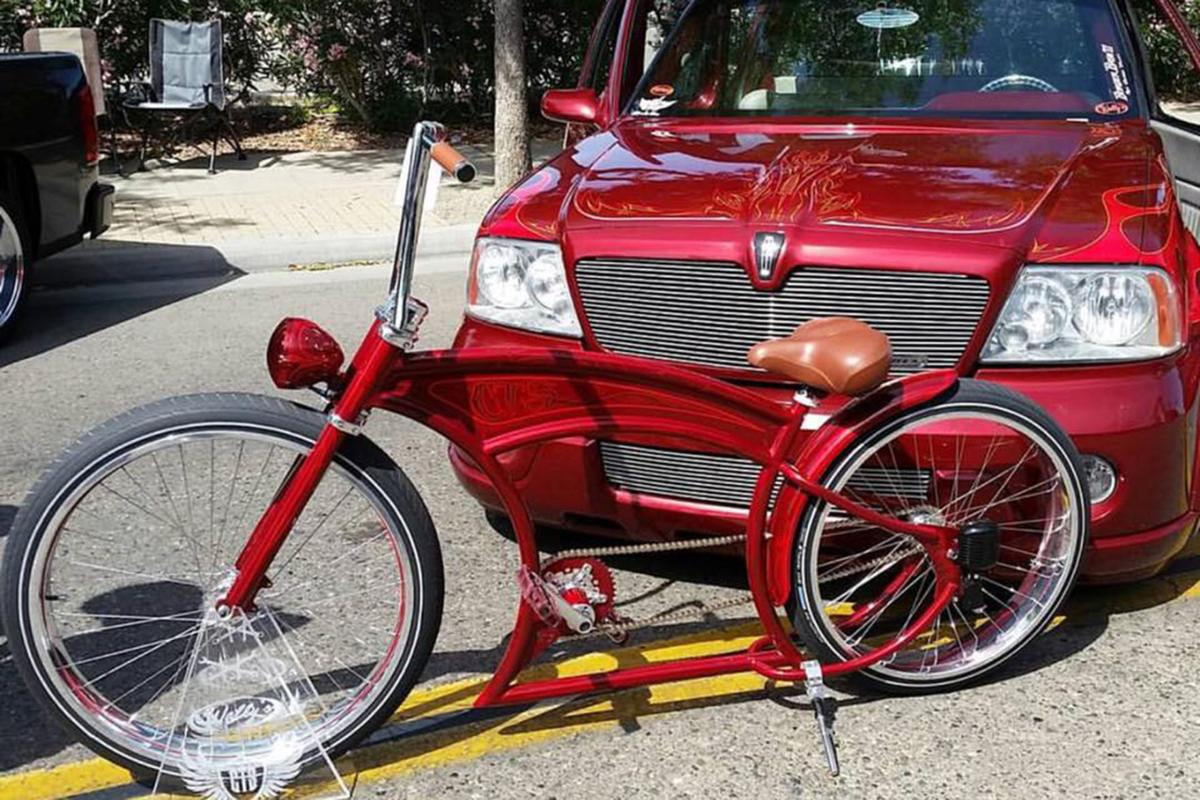 Bicycle: Cherry red match
