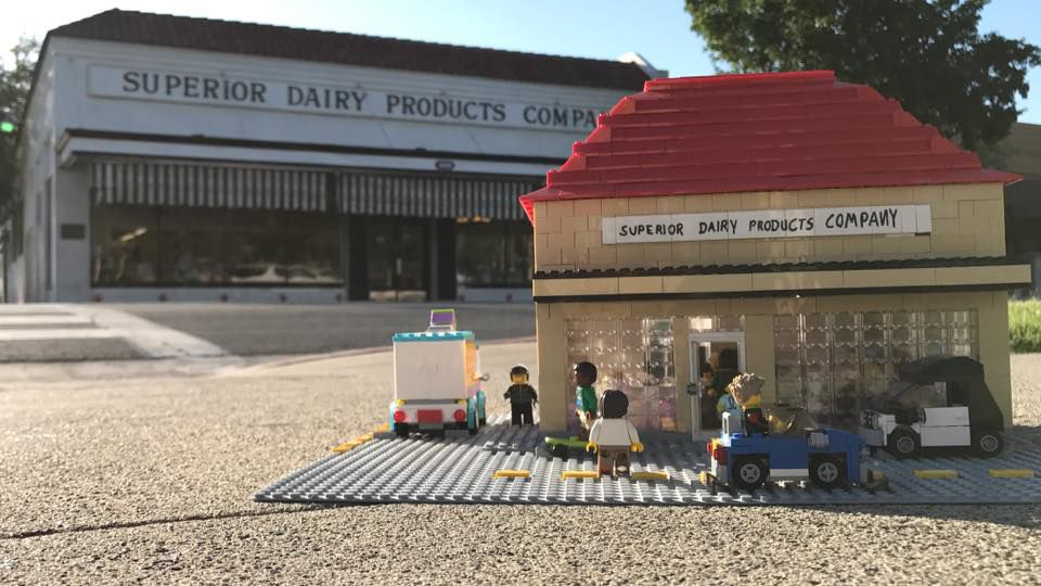 Young Hanford entrepreneur builds Lego business
