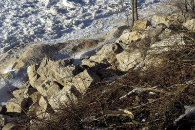 3 4 Shoreline Boulders