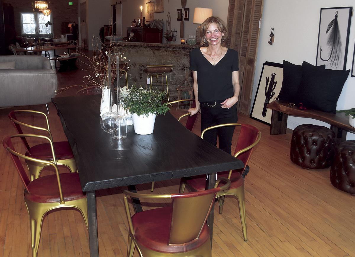 2 18 Biz Window Shop 1 Owner w Table