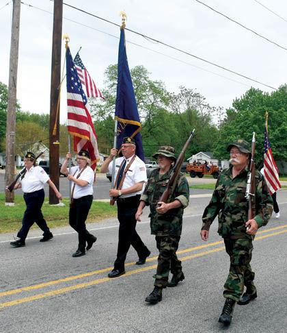 5 31 Mem Day 1 NT Flag bearers.jpg