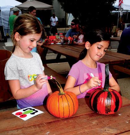 9 27 Wurstfest 2 Pumpkin girls.jpg