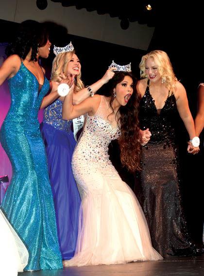 1 31 Spirit Pageant 1 crowning.jpg