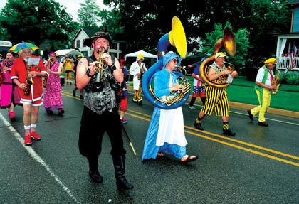 6 14 Flag Day 1 Parade 1 Clown Band group 2.jpg