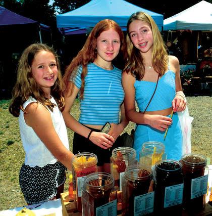 6 28 Markets 2 Skips 3 girls honey.jpg