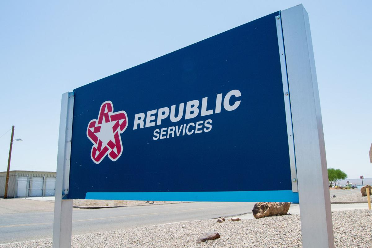Republic Services Trash Can Recycling Cart And Garbage In Treasure Island S