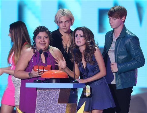 Laura marano and ross lynch sexual orientation