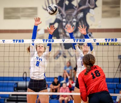 Lady Antlers' streak ends with Canyon