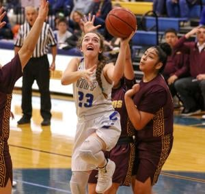 Lady Antlers survive scrappy Harlandale