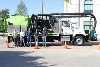 City buys new vac-con truck for public works department