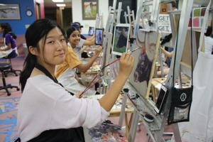 SUhosting 'Western Art Academy,' students