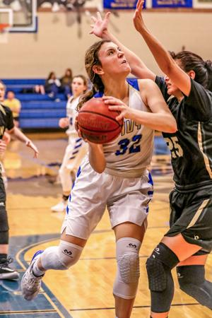 Lady Antlers roll with win over Seguin