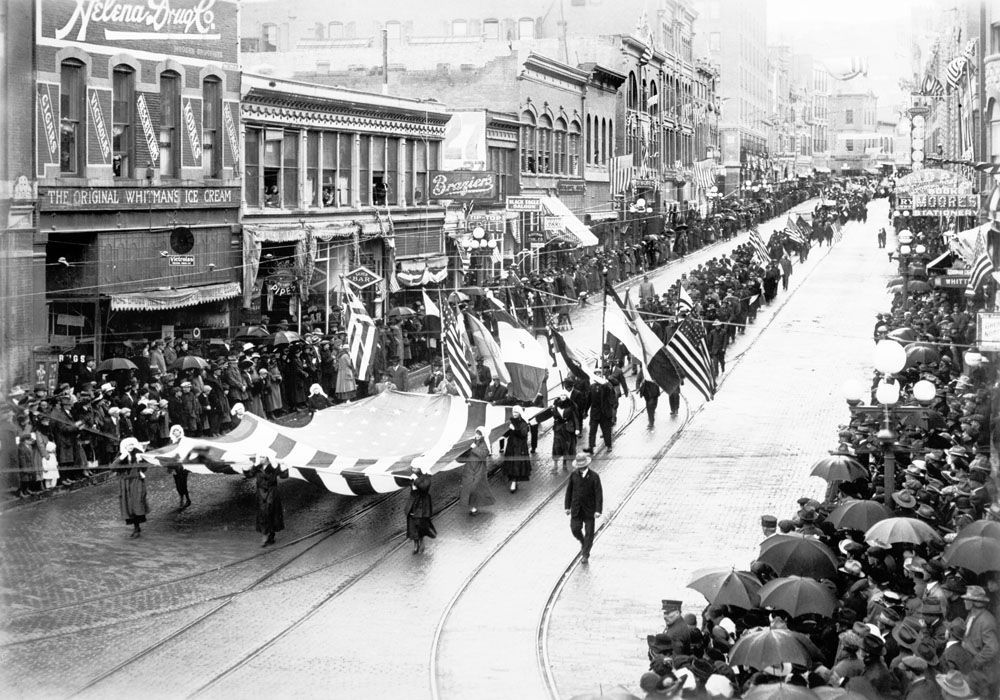 Recruits for World War I, parade down Main Street, Helena on October 24, 1917.