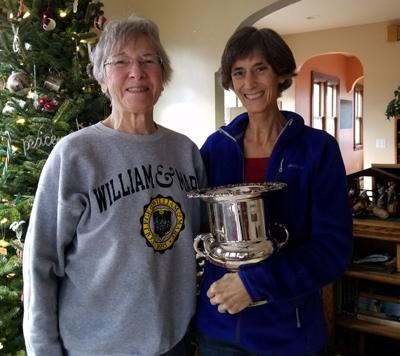 Deb Grebenc receives Inspirational Swimmer Award