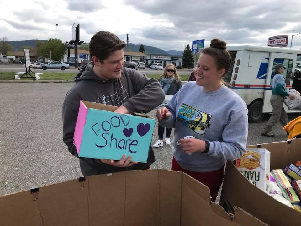 Volunteers sort non-perishable food