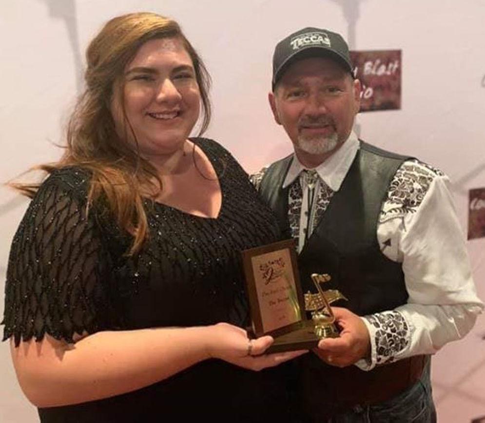 The Teccas win fan favorite award