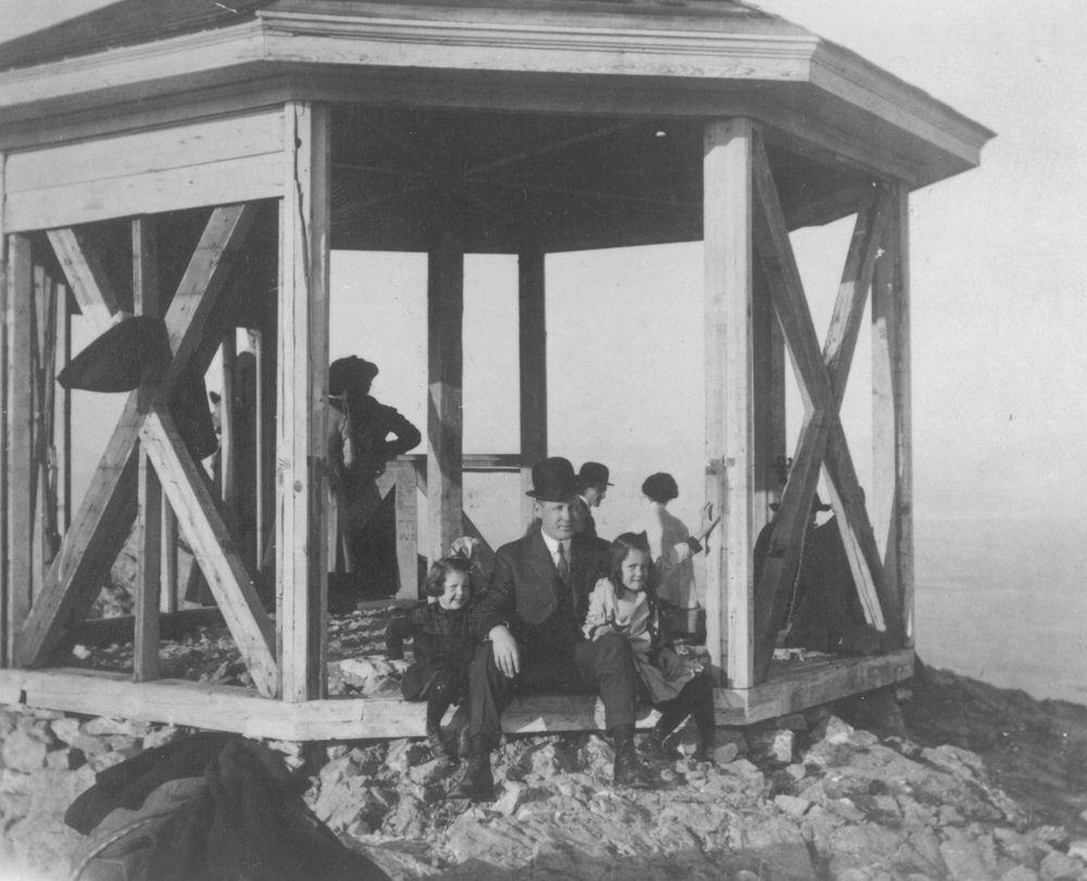Mount Helena in 1913