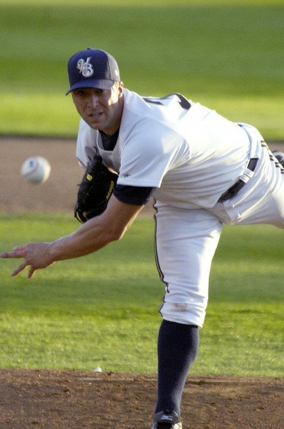 Brewers pitcher Chris Capuano