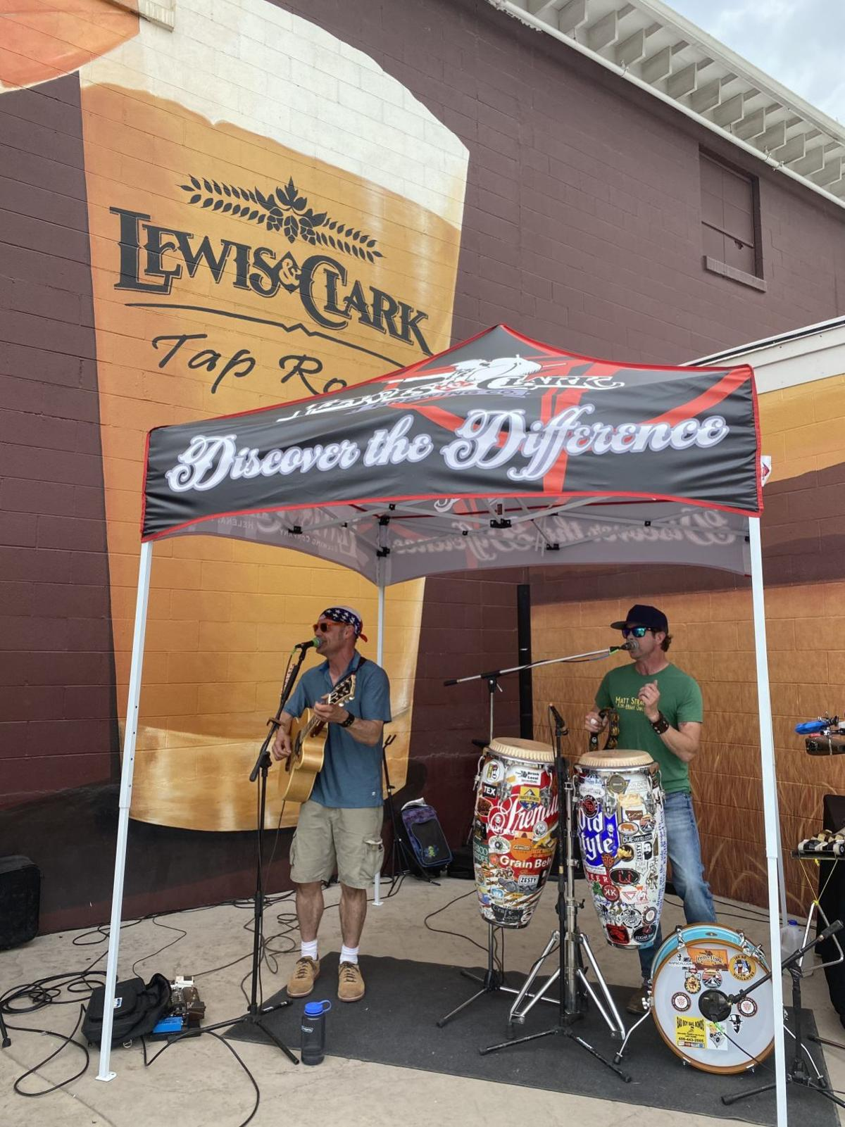 El Wencho performs on the Lewis and Clark Brewing Co. patio recently.
