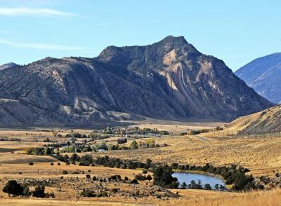 U.S. agency recommends blocking new mining near Yellowstone park