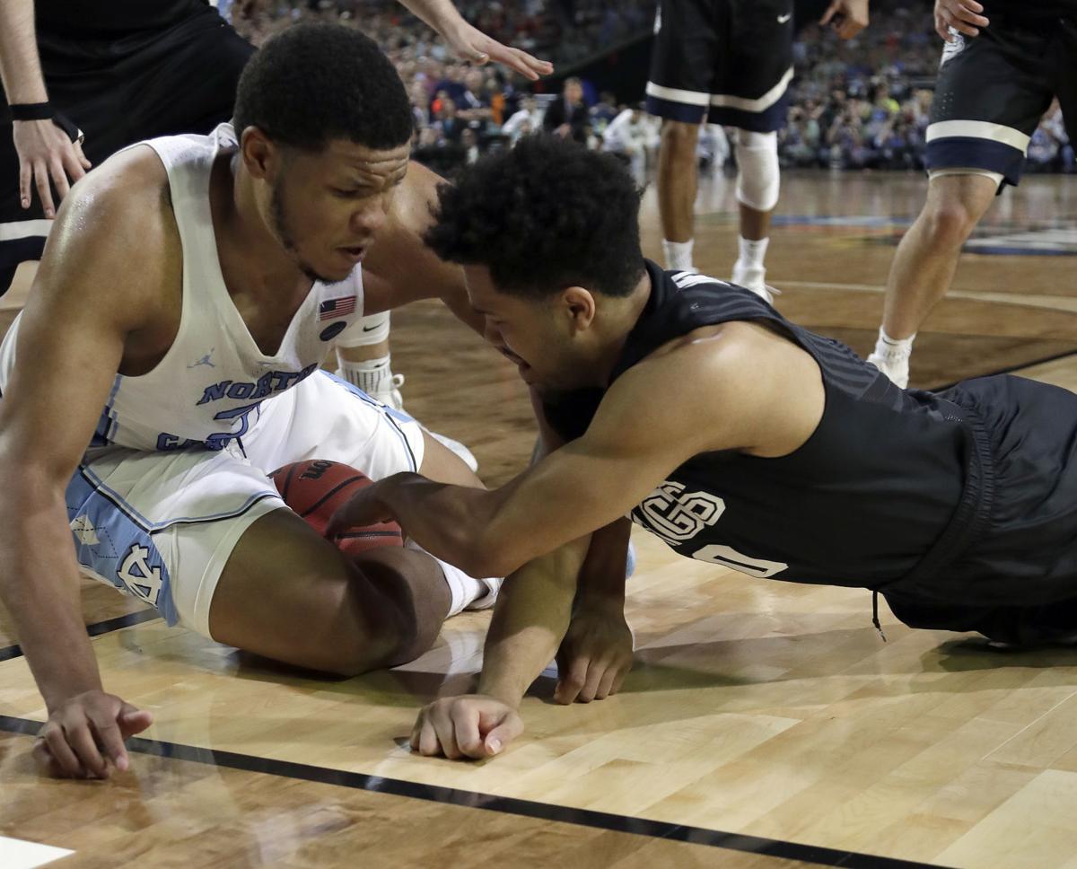 Gonzaga North Carolina NCAA title game, AP photo
