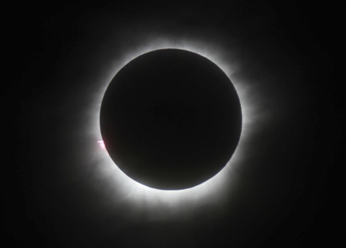 Great American Eclipse draws tourists to path of totality