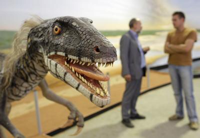 DEU NI Dinosaurier