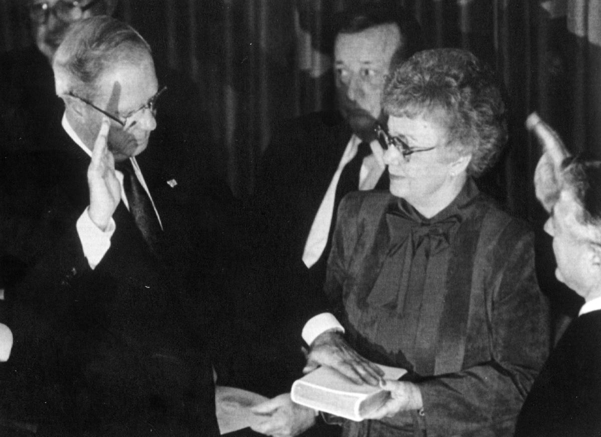 Montana Gov. Stan Stephens is sworn in in 1989