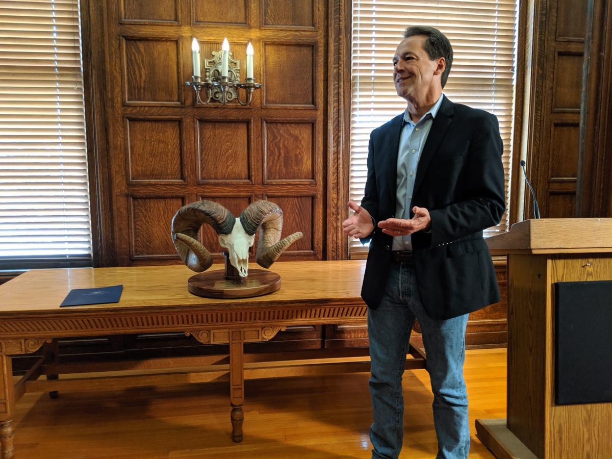 Gov. Steve Bullock thanks Wild Sheep Foundation members for the replica skull