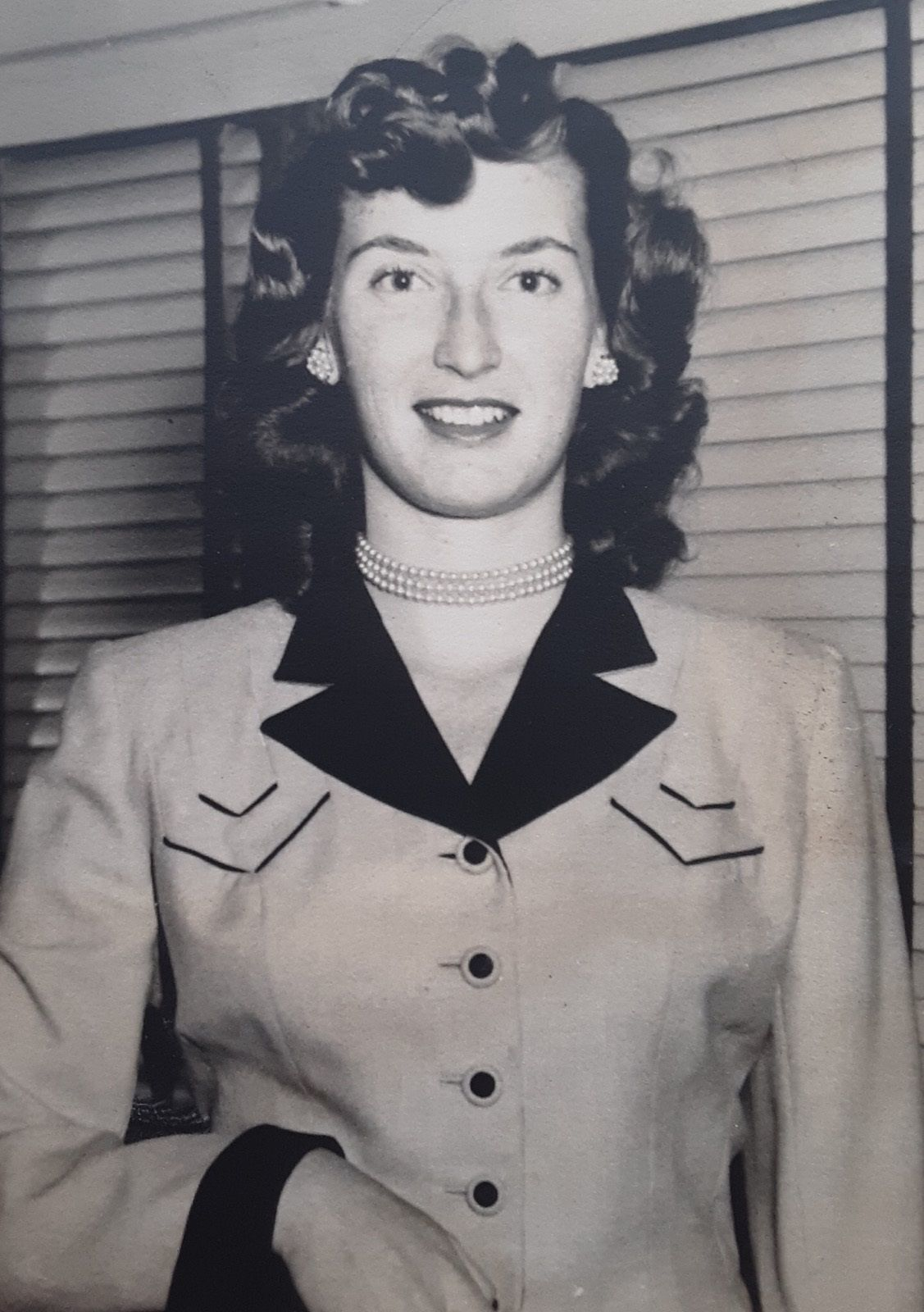 Hawes, Joan Carson